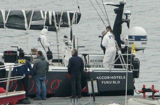 Die Polizei untersucht das Unglücksschiff