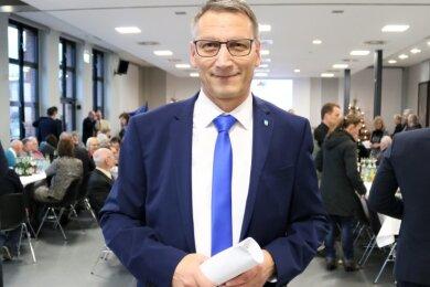 Mit dem Stühlerücken an der Verbandsspitze wurde auch der Posten des Ersten Stellvertreters frei. Gewählt wurde der Flöhaer Oberbürgermeister Volker Holuscha.