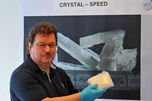 Zoll-Soko auf Crystal-Jagd