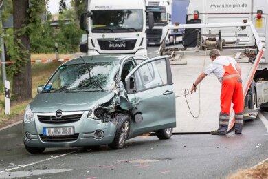 An dem Opel entstand wirtschaftlicher Totalschaden.
