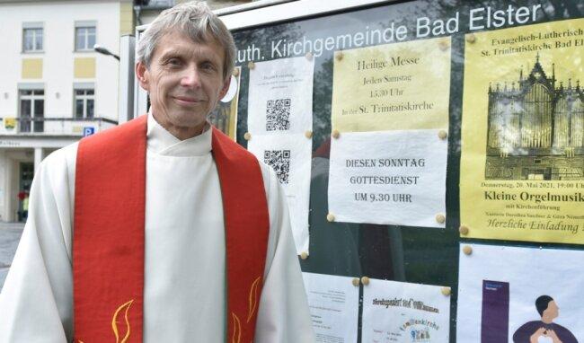 """Pfarrer Gunther Geipel aus Bad Elster geht in den Ruhestand. Das i.R. soll in seinem Falle nicht """"im Ruhestand"""" bedeuten: """"Ich sage lieber 'in Reichweite' dazu."""""""