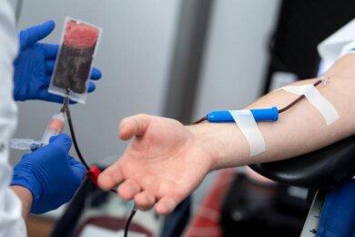 Blutspender sollten sich durch Corona-Epedimie nicht abschrecken lassen. Das Infektionsrisiko für Blutspender sei aber sehr gering.