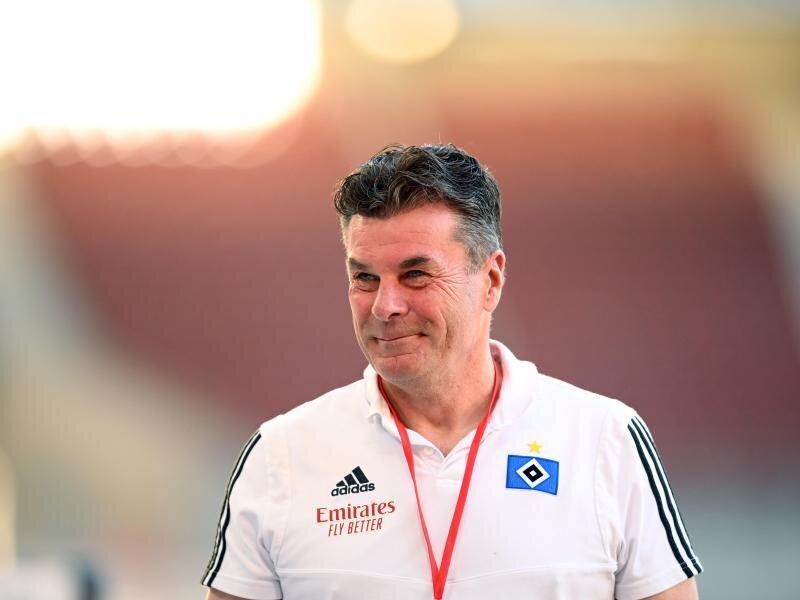 Hat sich für das Spiel gegen Holstein Kiel für Julian Pollersbeck im Tor entschieden: HSV Trainer Dieter Hecking.