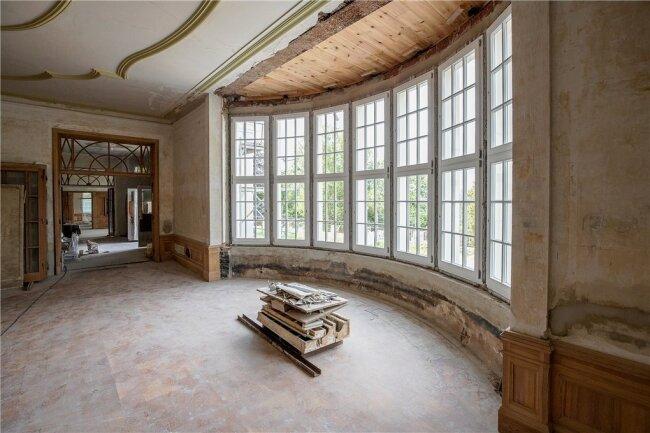 Die repräsentativen Räume des Hauses - hier der Speisesaal - blieben trotz der Wirren in der DDR-Zeit weitgehend im Originalzustand erhalten.