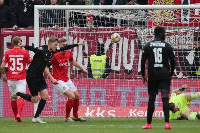 Zu früh gejubelt: Wegkamps Treffer in der ersten Hälfte wurde wegen Abseits nicht anerkannt.