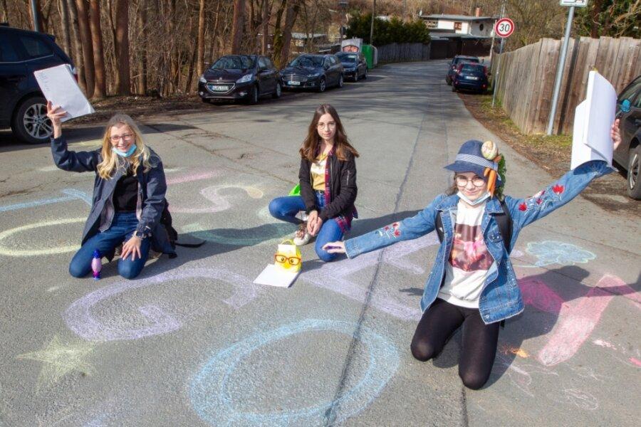 Charleen, Philine und Sina von der 7. Klasse der Plauener Friedens-Oberschule waren am Donnerstag beim Wissensparcours als Team unterwegs.