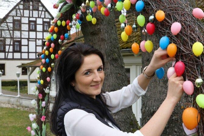 Osterbogen füllt sich mit Eiern
