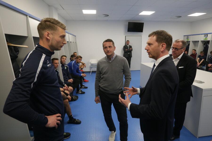 Nach Eklat im Stadion: Ministerpräsident besucht CFC