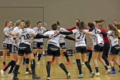 Die Handballerinnen des BSV Sachsen Zwickau hatten am Samstag allen Grund zum Jubeln. Mit dem 33:17-Erfolg gegen den TV Beyeröhde-Wuppertal feierten sie den höchsten Sieg in dieser Saison.