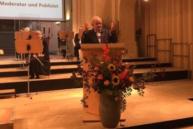 """Als Festredner polarisierte der frühere Fernsehmoderator Peter Hahne mit seinen Ausführungen zum Thema """"Einig und wieder gespalten? - Deutschland 30 Jahre danach""""."""