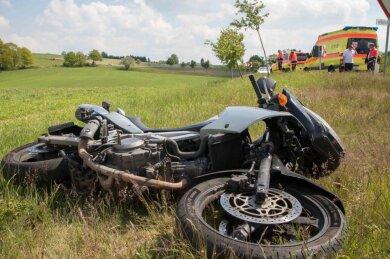 Ein Motorradfahrer ist am Sonntag in Conradsdorf verunglückt.