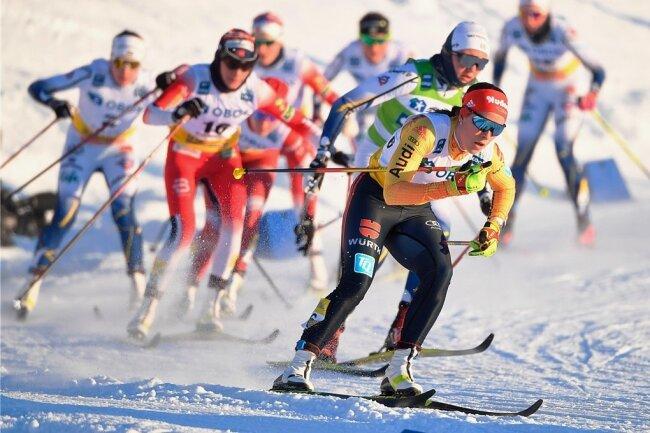 Loipen-Ass Katharina Hennig(vorn), die aus Königswalde bei Annaberg stammt, schrammte in Falun hauchdünn am Podest vorbei.