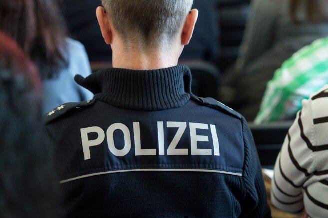Chemnitz: 17-Jähriger ausgeraubt