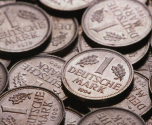Wer will, kann derzeit noch in fünf Geschäften und Einrichtungen in Werdau mit der D-Mark bezahlen. Die Zahl der Mitstreiter, die die alte Währung noch immer akzeptieren, soll weiter erhöht werden.