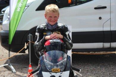 Ben Wiegner gewann in der vergangenen Saison den ADAC-Minibike-Cup. Entscheidend dafür waren Platz 2 und 1 am letzten Rennwochenende in Templin, mit denen erst sich an die Spitze der Gesamtwertung schob.