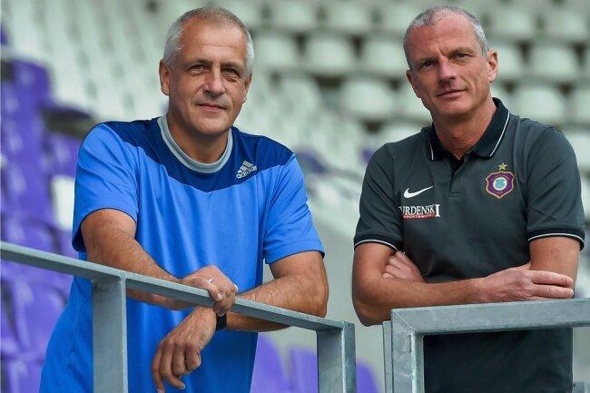Alexander Zamzow (r.) und Bernd Stettinius betreuen auch in der Landesliga das Frauenteam des FC Erzgebirge Aue als Trainer.