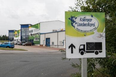 Hinter der farbenfrohen Fassade der Kohrener Landmolkerei mit ihrem auffälligen Logo läuft seit Donnerstag das Insolvenzverfahren. Die Stadt hofft, dass eine Lösung mit potenziellen Investoren gefunden wird.