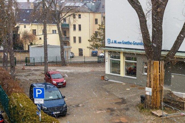 Der Schulhof der Olbernhauer Goethe-Grundschule, der bis zum Anfang des kommenden Schuljahres neu gestaltet werden soll.