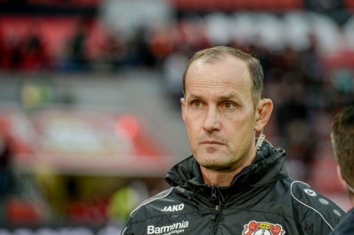 Heiko Herrlich steht bei Leverkusen unter Druck