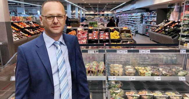 Marktinhaber Thomas Sachse im neuen nahkauf- Markt in Schneeberg.