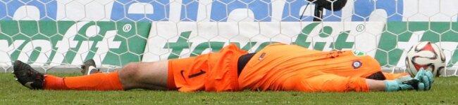 Am Boden zerstört: Martin Männel brachte mit seinem Kopfballtor kurz vor Spielenden die Hoffnung zurück, konnte den Abstieg letztlich aber nicht verhindern.