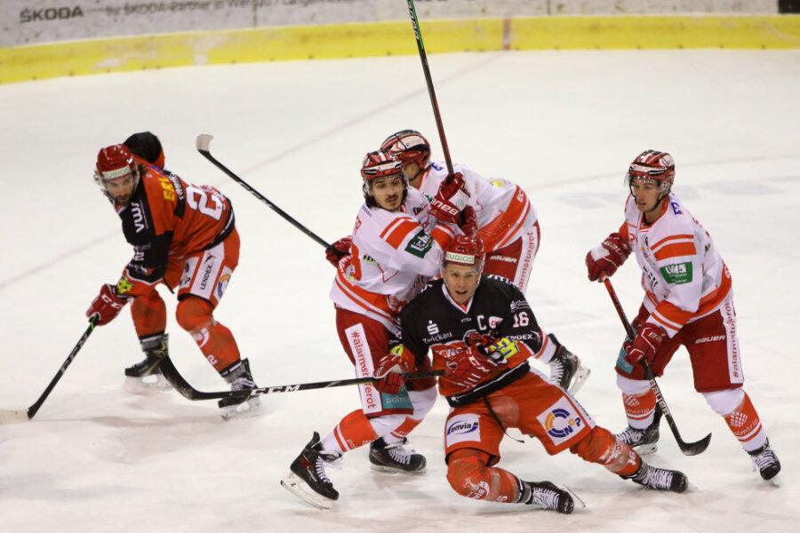 Die Eispiraten Crimmitschau spielen am Sonntag gegen den EC Bad Nauheim.