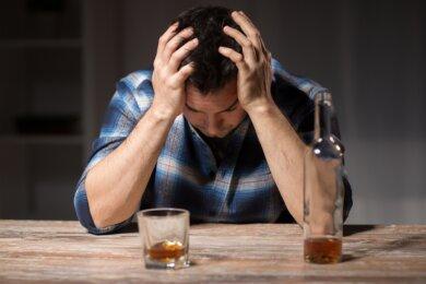 Mit der Coronapandemie und den Lockdowns hat der Alkoholkonsum zugenommen. Die Folgen werden erst in zwei, drei Jahren sichtbar werden, vermutet Kerstin Uhlig von der Diakonie-Suchtberatung.