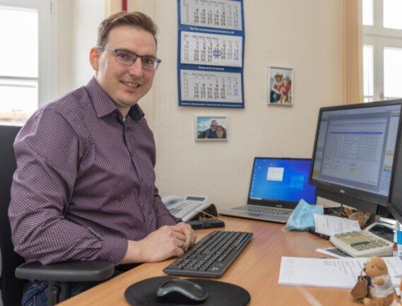 Matthias Stopp hat am heutigen Freitag seinen letzten Bürotag als Kämmerer von Thum. Ab 1. April ist er dann für die Finanzen der Großen Kreisstadt Aue-Bad Schlema zuständig.