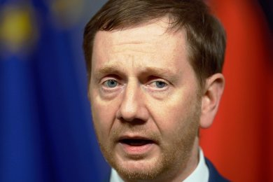 Michael Kretschmers (CDU) verbaler Rundumschlag gegen Grüne und SPD kam bei den beiden Koalitionsparteien in Dresden gar nicht gut an.