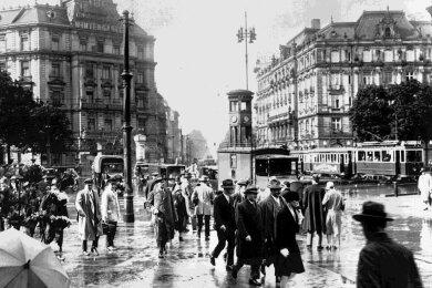 Der Potsdamer Platz in Berlin galt in den 1920ern als pulsierendster Verkehrsknotenpunkt Europas - ein Zeichen für Aufschwung in einer ambivalenten Zeit.