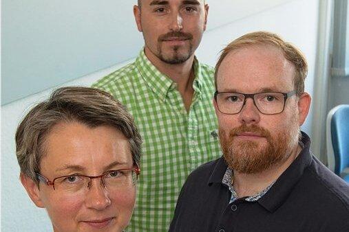 Gefragte Proktologen: Dr. Solveig Unger, DRK-Krankenhaus Chemnitz-Rabenstein (vorn); Dr. Dominikus Ernst, Klinikum Chemnitz, undMU Dr. Jakub Lutonsky, Krankenhaus Schneeberg/Erzg. (hinten).