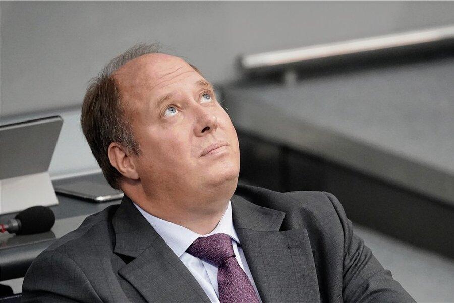 In der Sache richtig, aber der falsche Zeitpunkt? Der Chef des Kanzleramtes, Helge Braun, stellte in einem Interview die verfassungsmäßig verankerte Schuldenbremse infrage.