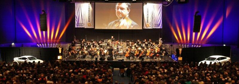 3000 Gäste verfolgten die 6. Auflage der Filmharmonic-Night am Samstagabend in der Stadthalle Zwickau, die in dichter Folge optisch-akustische Leckerbissen bot.