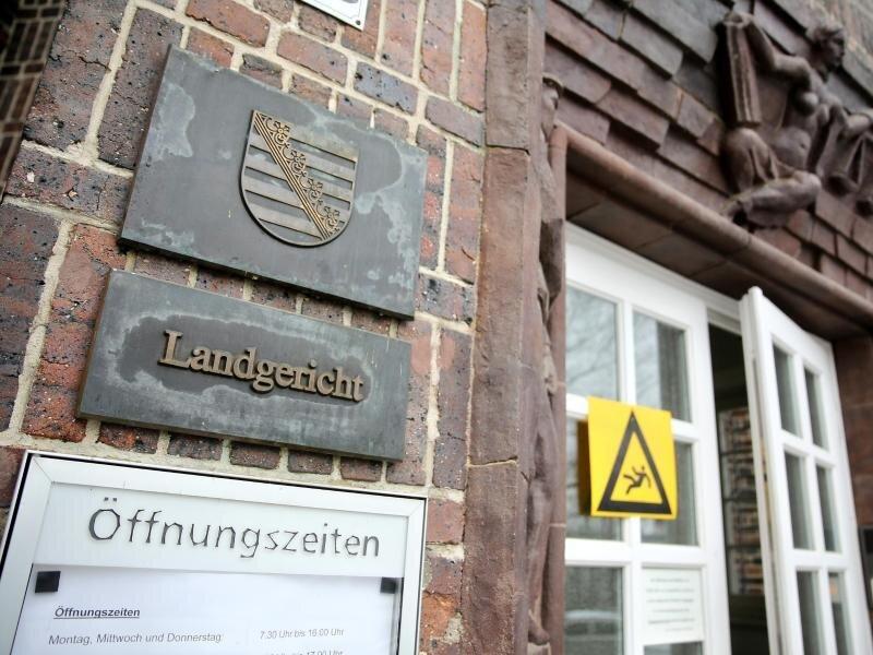 Der Eingang zum Landgericht Chemnitz.