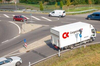 Zu wenig Aufmerksamkeit führt immer wieder zu Unfällen an der Kreuzung B 173/B 173n. Behörden sehen keinen Handlungsbedarf.