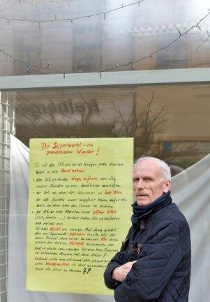 """Im Kreistag ging es auch um kleine Geschäfte wie die Freiberger """"Geschenkidee - Stöberecke"""" von Lothar Kost (Foto). Er sagt: """"Seit dem 14. Dezember 2020 habe ich keinen Verdienst mehr, nicht mal den Mindestlohn erhalte ich. Dabei habe ich über viele Jahre fleißig meine Steuern bezahlt."""" Ende April müsse er seine Filiale am Freiberger Häuersteig schließen."""