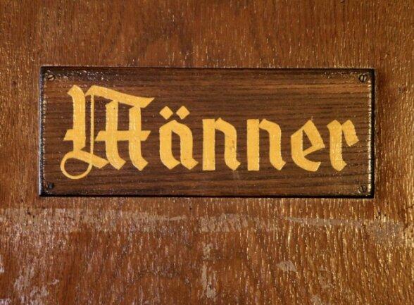 Was macht einen Mann zum Mann? Dazu hat Schauspieler Hannes Jaenicke ziemlich genaue Vorstellungen.