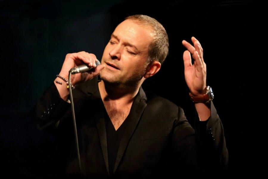 Tenor Björn Casapietra singt in der Rundkirche Klingenthal