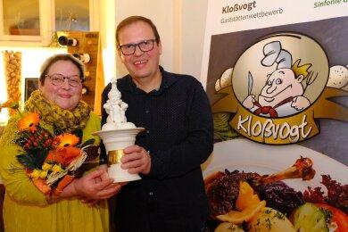 Kerstin und Stefan Fischer vom Gasthof Wetzdorf aus Thüringen haben den Kloßvogt-Pokal 2019 gewonnen.
