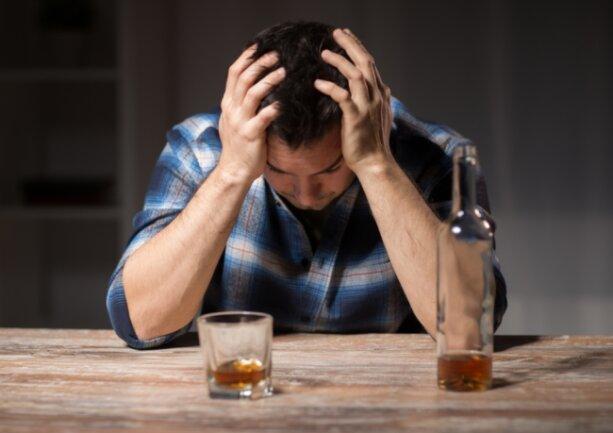 Mit der Coronapandemie und den Lockdowns hat der Alkoholkonsum zugenommen. Die Folgen werden erst in zwei, drei Jahren sichtbar werden, vermutet Kerstin Uhlig von der Suchtberatungsstelle der Diakonie in Freiberg.