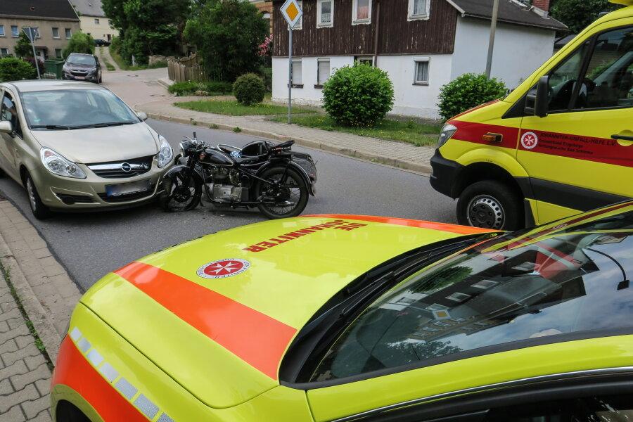 Verletztes Kind bei Motorrad-Unfall