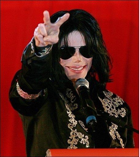 Die ganze Welt hat ihm auf den Titelseiten der Zeitungen und in den Radiostationen die letzte Ehre erwiesen. Das Ausmaß der Trauer um Michael Jackson war gewaltig und global - und wird einem Musiker in dieser Form wohl nie wieder zuteil werden.