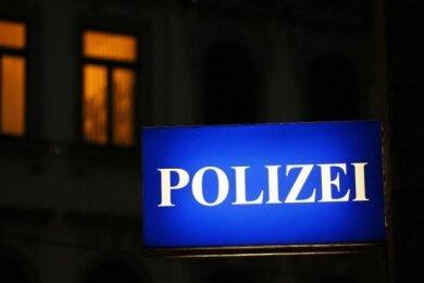 Am Dienstag hat eine alkoholisierte Frau in Plauen einen Unfall verursacht.