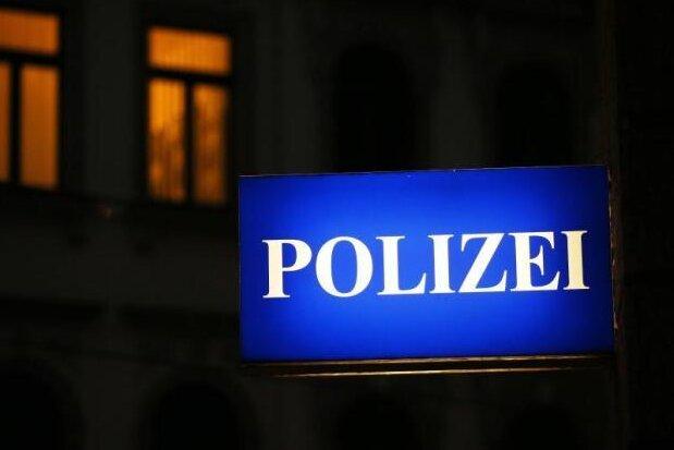 Großwaltersdorf: Leiche in ausgebranntem Auto gefunden