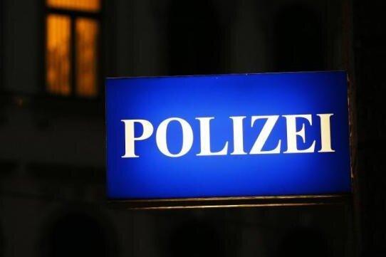 Auseinandersetzung am Neumarkt: Zwei Männer durch Pfefferspray leicht verletzt