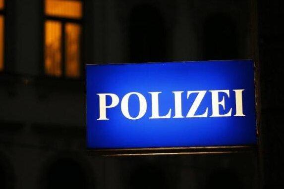 Ein von Rassismus-Vorwürfen begleiteter Polizeieinsatz in Chemnitz wird ein Fall fürs Gericht.