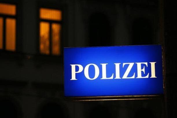 Chemnitz: 45-Jähriger angegriffen und ausgeraubt