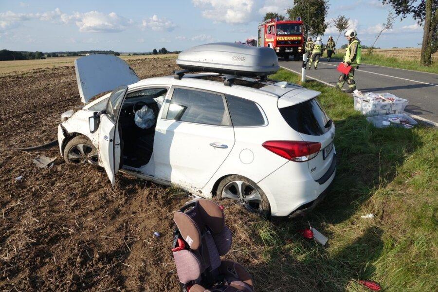 Vier Menschen bei Unfall auf B 173 verletzt