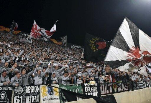 Rund 5000 Fans der Eintracht waren auf Zypern dabei