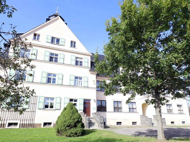Das alte Schulgebäude in Gahlenz. In der Festwoche sind alle ehemaligen Schüler des Dorfes zum Klassentreffen eingeladen.